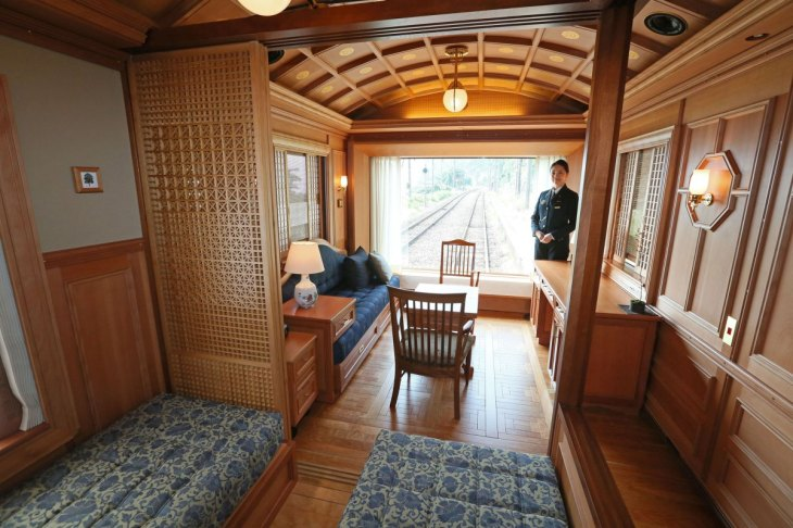 japans-coolest-new-trains-12
